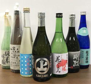 袋田温泉 思い出浪漫館 春の日本酒を選んでおります。